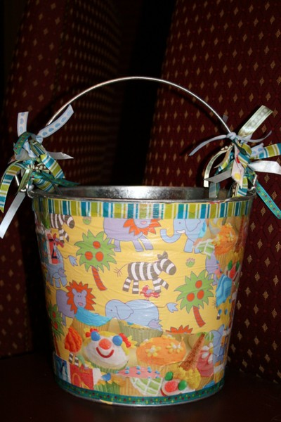 Decoupage_bucket